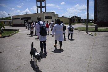 Alumnos de primaria de la escuela N° 66