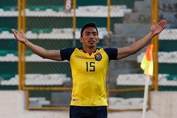 Ángel Mena, figura en el arranque de las Eliminatorias