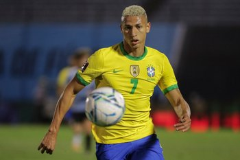 Richarlison jugó un gran primer tiempo en Brasil