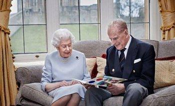 La reina Isabel y el duque de Edimburgo en su último aniversario