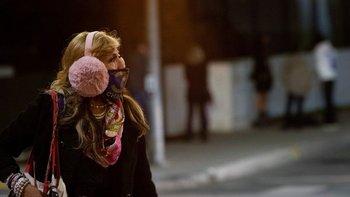 Más del 90% de los habitantes de California deberá seguir el toque de queda nocturno.