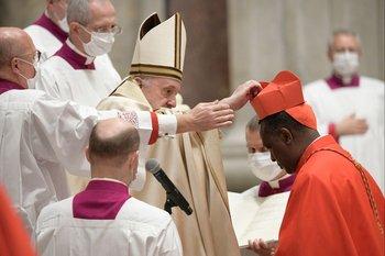 Papa Francisco nombrando cardenales