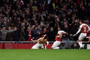 El festejo de Torreira tras su primer gol en Arsenal