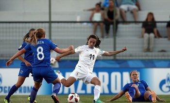 Esperanza Pizarro marcó un golazo ante Finlandia