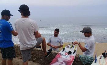 La selección uruguaya de surf en la previa de los Panamericanos de Punta Rocas, Perú