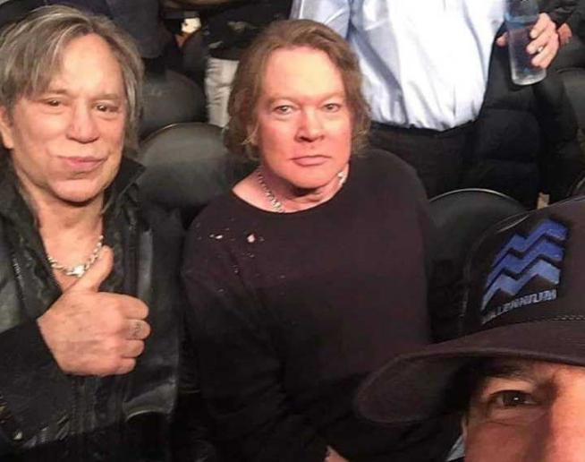 Axl Rose y Mickey Rourke juntos en una foto y deformados