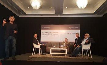 Manuel Sbdar en la conferencia Clubes perdurables, en la que también participaron Sebastián Bauzá, Ricardo Alarcón y Ricardo Peirano