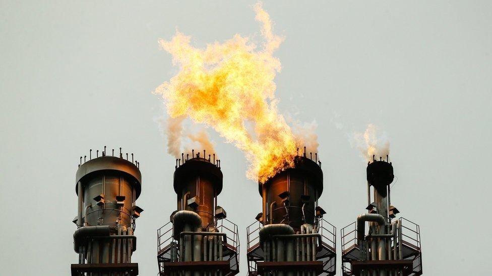 Precios del petróleo hoy lunes en los diferentes mercados