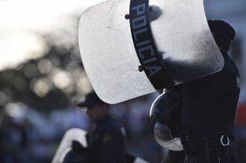 """La Asociación de Defensores de Oficio denunció ante la Suprema Corte de Justicia un """"uso de la fuerza física desmedida"""" de la policía, que se agravó con la aprobación de la LUC"""