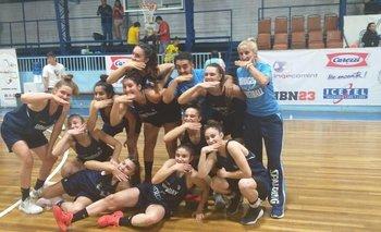 Selección uruguaya de básquetbol femenina sub 16 que fue campeona en Chile