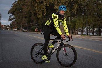 Gregorio Bare volvió a competir en ruta y pista