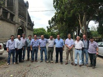 Parte de la directiva de la Sociedad de Criadores de Corriedale del Uruguay.
