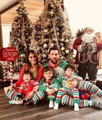 La foto navideña de Messi y familia