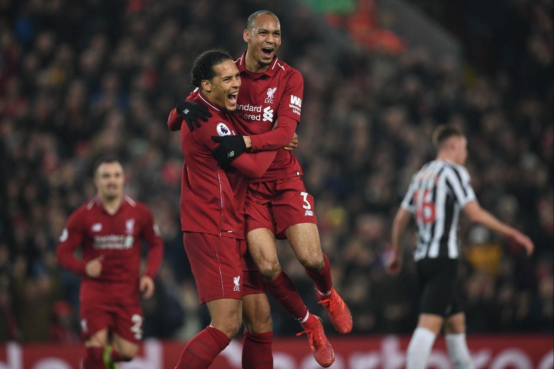 Liverpool cerrará el año como líder de la Premier League