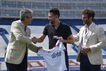 Decurnex le da la bienvenida a Eduardo Domínguez para la temporada 2019