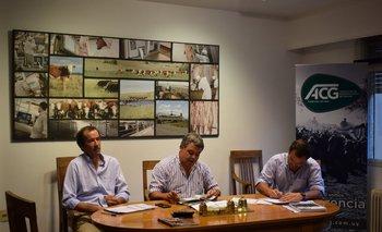 Diego Arrospide, José Pedro Aicardi y Facundo Schauricht durante la reunión de precios de la ACG.