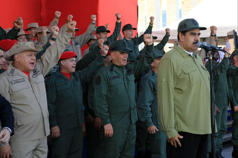 Venezuela denuncia ataques contra su Embajada en Perú