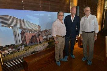Director de Turismo de Maldonado, Luis Borsari, Giuseppe Cipriani, subsecretario de Turismo, Benjamín Liberoff