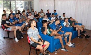 Cuerpo técnico y jugadores de Nacional recibieron una charla sobre el VAR en la previa de la definición del Uruguayo