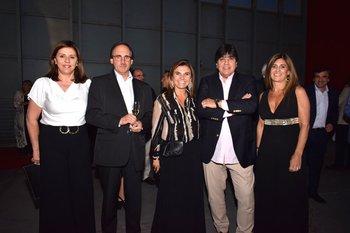 Mónica Vazquez, Hugo Avegno, Fernanda Duter, José Costa y Rossana Baragan