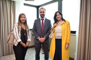 Virginia Nuñez, Ernestro Scayola y Lucia Bervejillo