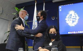 El empresario Giuseppe Cipriani junto al ministro de Turismo, Germán Cardoso, y la ministra de Economía, Azucena Arbeleche
