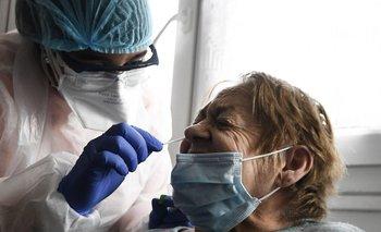 El hisopado sirve para detectar la presencia de coronavirus en el organismo