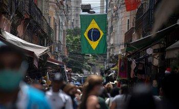 Cantidad de muertes diarias en Brasil por coronavirus no ceden