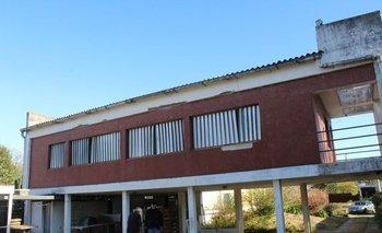 Buena casa en gran terreno en Atlántida.