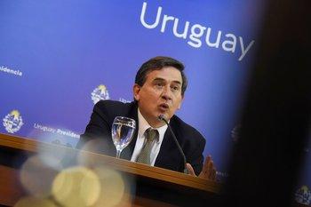 Fernando Paganini, uno de los coordinadores del GACH, dijo que se esperaría que los casos siguen bajando