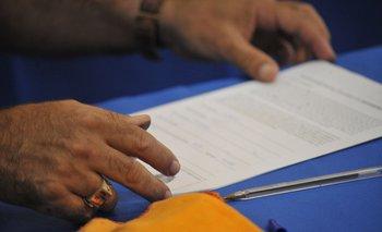 Lanzamiento de la recolección de firmas para derogar 135 artículos de la LUC