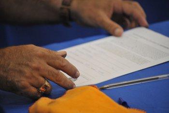 Recolección de firmas para habilitar el referéndum contra la luc