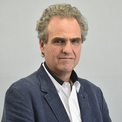 Renato Opertti
