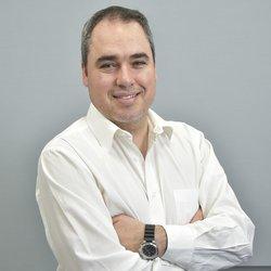 Andrés Oyhenard