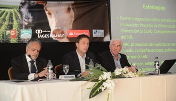Los conferencistas en la apertura de la Expo Melilla, José Luis Cancela, Ricardo Reilly y Federico Stanham