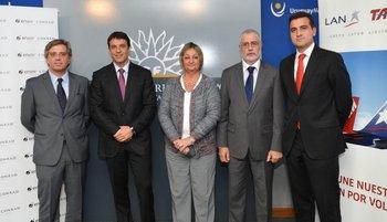 Juan Lescarbourá, Juan Eduardo García, Liliam Kechichian, Benjamin Liberoff y Francisco Chiari