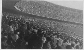 Imagen de la tribuna en la final de 1950 entre Brasil y Uruguay en el Maracaná.