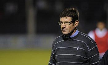 Fernando Curutchet en su etapa de técnico de Defensor Sporting