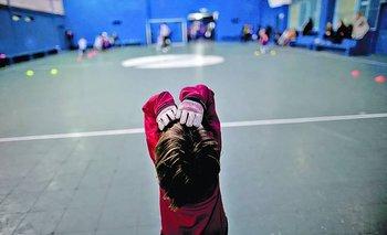 Cancha de fútbol infantil en Argentina