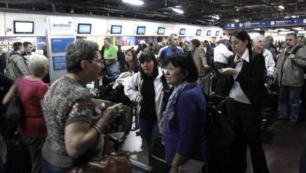 Internacionales: Hay unos 15.000 pasajeros aéreos varados en Argentina