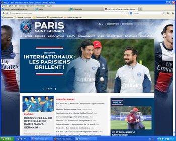 Paris Saint-Germain puso en la portada de su web a Cavani por el gol con Uruguay