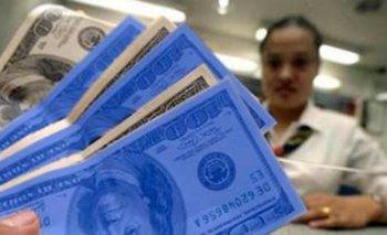 El dólar paralelo subió 15 pesos en lo que va del mes.