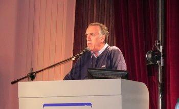Jorge Erro abrió la jornada del martes en el club Paz y Unión