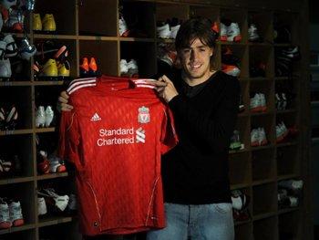 Liverpool confirmó la contratación de Coates
