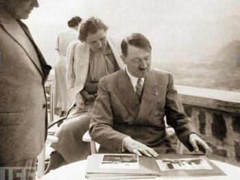 Publican Fotos Inéditas De La Pareja De Hitler Eva Braun