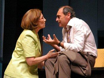 """María Azambuya y Héctor Guido en """"El prisionero de la 2ª avenida"""", bajo la dirección de Jorge Denevi"""