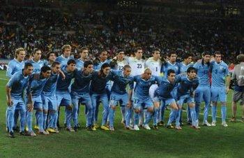 La selección uruguaya actual posando con la celeste