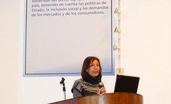 Graciela Quintans durante la Jornada de Diagnósticos de Gestación Vacuna en INIA Treinta y Tres<br>