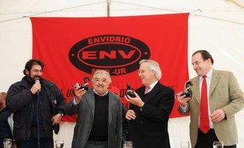 El diputado del MPP, Daniel Placeres, junto al entonces presidente José Mujica en la inauguración de Envidrio