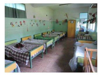 Dormitorio niños del Centro Cevip de Montevideo